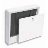 Wall-mounted          cabinet SWNE-varnished. Up to 13 heating circuits
